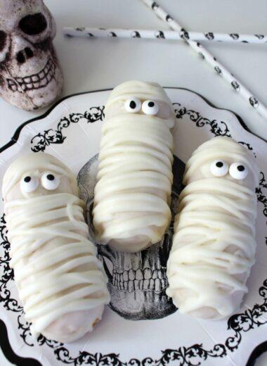 Halloween Twinkie Mummies